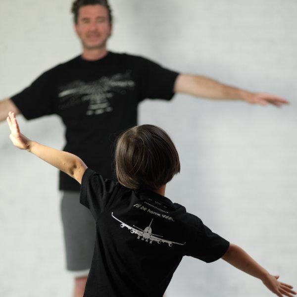 父の日はOJICOでパパとお揃い!Tシャツ「ランディング」